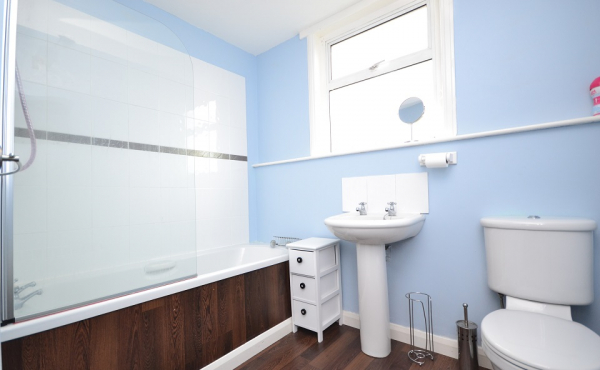 61b saltoun place bathroom