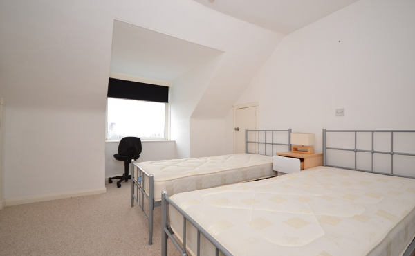 61b saltoun place bed2
