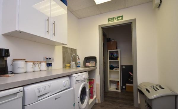 60 High Street kitchen-utility area